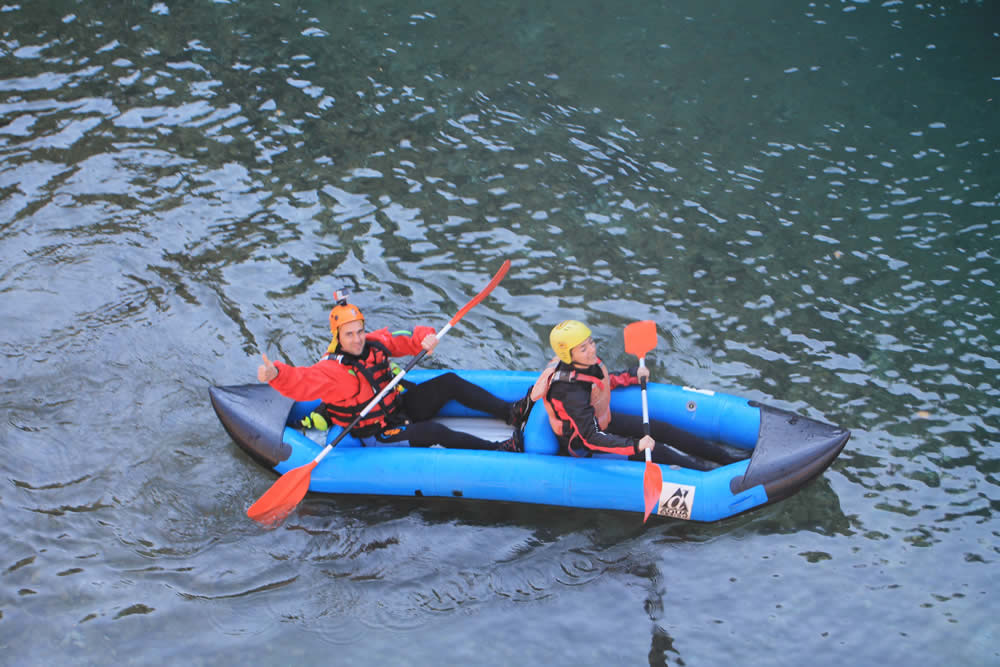 Join us for in line raft! Get on a closer touch with the water splash each other and let yourselves follow the currents of Voidomatis river